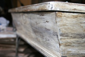 annie sloan tutorial :: Restoration Hardware wood finish on an old coffee table