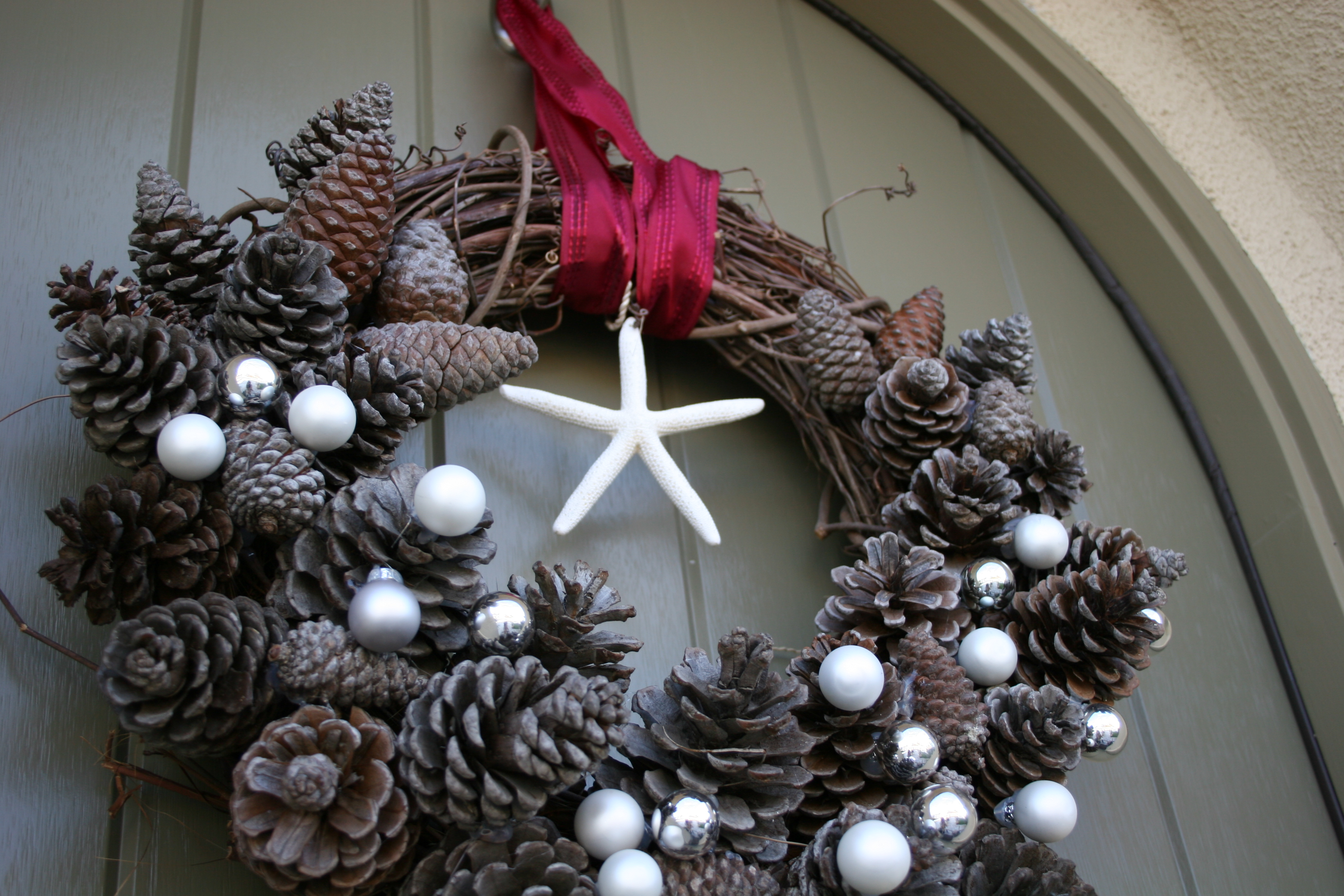 natural pine cone Christmas wreath