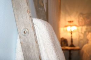 shabby chic guest bedroom update