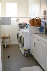 beachy cottage laundry room reveal!!