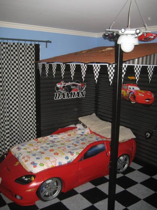 Imeeshu Lightning Mcqueen Bedroom With Shed Overhead
