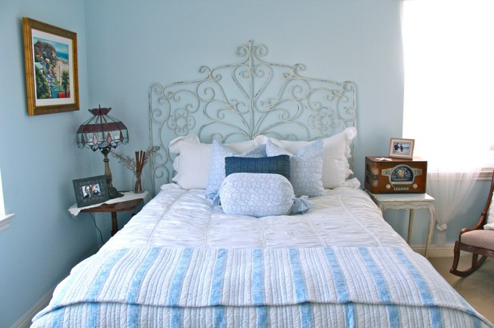 shabby chic room with dyed chalk paint pillows