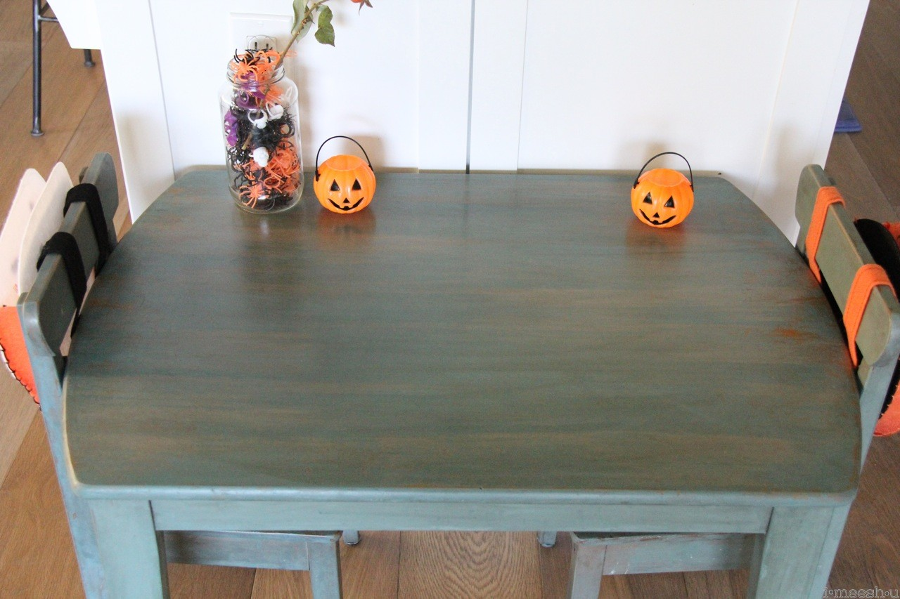 mmsmp kids dining table redo and halloween diy redo kitchen table Miss Mustard Seed Milk Paint kitchen scale table Annie Sloan Coco