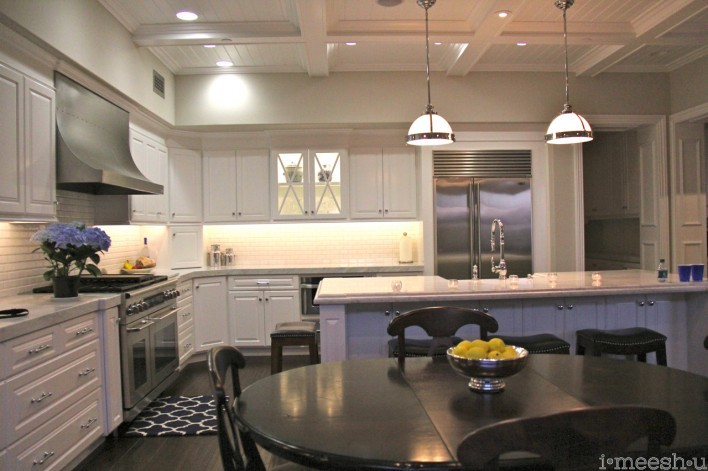 Beachy kitchens
