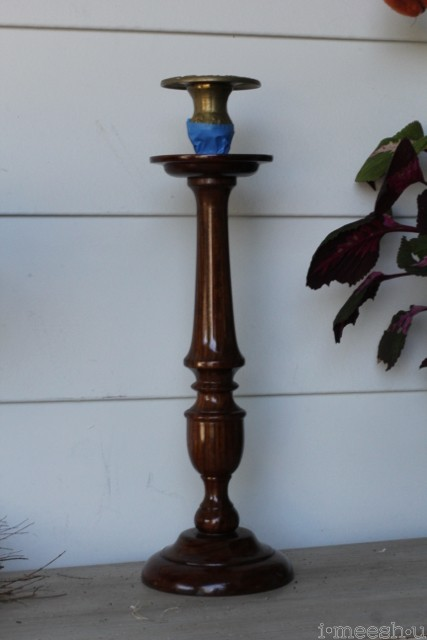 candle-stick-dark-wood