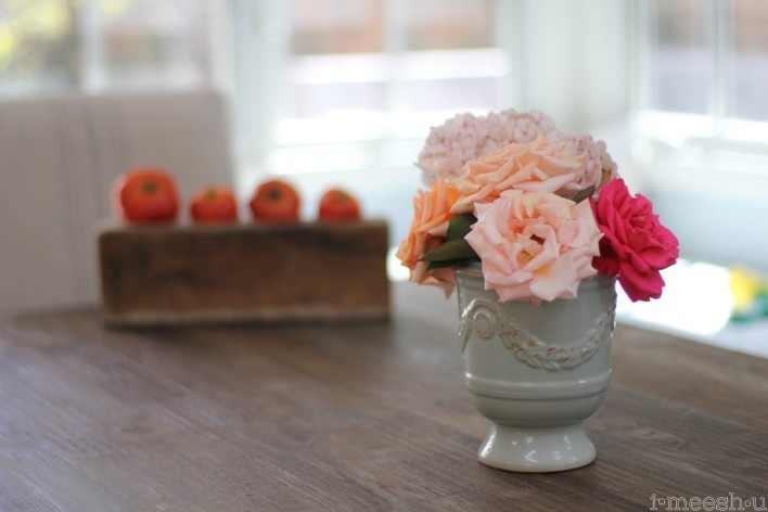 flowers-farm-style-table-setting