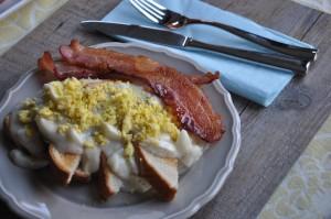 Eggs Goldenrod : the breakfast of choice for Captain America