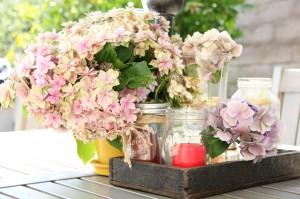 summer hydrangea tablescape
