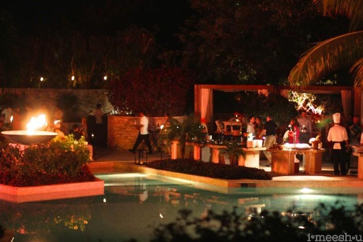 rehearsal-dinner-poolside