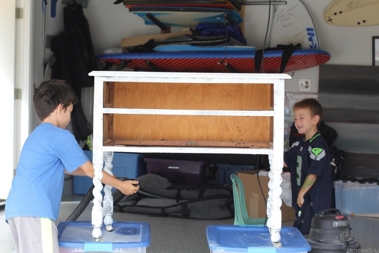 kids-helping-diy-project-saltwash-furniture