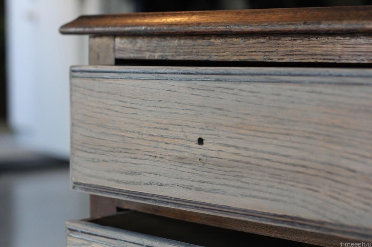 vintage-dresser-glaze-finish-close-up